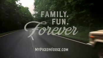 Pigeon Forge Department of Tourism TV Spot, 'Family Fun' Song by Tom Rosenthal - Thumbnail 9