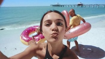 The Beaches of Fort Myers and Sanibel TV Spot, 'Selfie' - Thumbnail 4