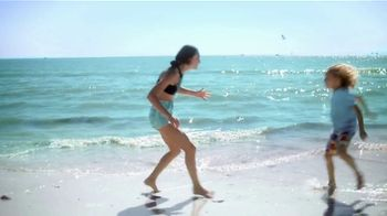 The Beaches of Fort Myers and Sanibel TV Spot, 'Selfie' - Thumbnail 5