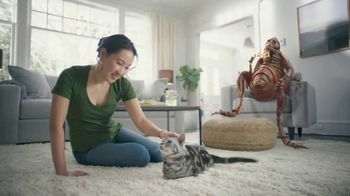 Bayer Advantage II TV Spot, 'Good Friends' - Thumbnail 8