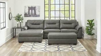 Big Lots New and Now Furniture Shop TV Spot, 'Granger Sofa' - Thumbnail 2