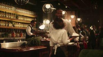 Stella Artois TV Spot, 'Change Up the Usual' Featuring Sarah Jessica Parker & Jeff Bridges - Thumbnail 4