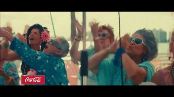 Coca-Cola TV Spot, '2019 Fan Party: Jonas Brothers' - Thumbnail 9