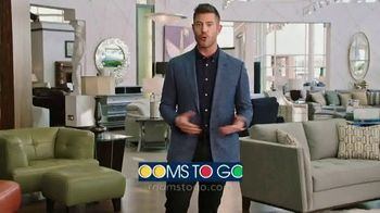 Rooms to Go TV Spot, 'People Like Me' Featuring Jesse Palmer - Thumbnail 9