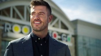 Rooms to Go TV Spot, \'People Like Me\' Featuring Jesse Palmer