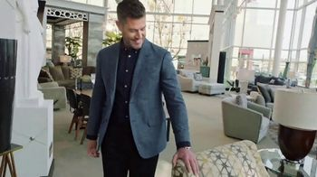 Rooms to Go TV Spot, 'People Like Me' Featuring Jesse Palmer - Thumbnail 4