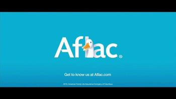 Aflac TV Spot, '2019 ACM Awards: Celebrities. Music. Questions About Aflac.' - Thumbnail 10