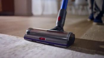 Dyson V11 TV Spot, 'Easy Deep Cleaning'