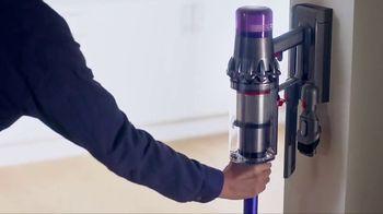 Dyson V11 TV Spot, 'Easy Deep Cleaning' - Thumbnail 9