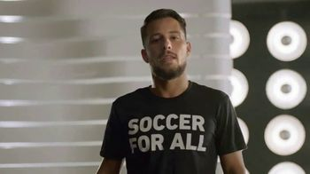 MLS Works TV Spot, 'Todos son bienvenidos' con Carlos Vela, Diego Valeri [Spanish] - Thumbnail 4