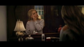 Olay Super Bowl 2019 Teaser, 'Killer Skin: Part II' Featuring Sarah Michelle Gellar - Thumbnail 2