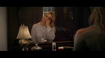 Olay Super Bowl 2019 Teaser, 'Killer Skin: Part II' Featuring Sarah Michelle Gellar - Thumbnail 5