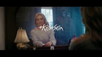 Olay Super Bowl 2019 Teaser, 'Killer Skin: Part II' Featuring Sarah Michelle Gellar - Thumbnail 8