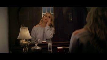 Olay Super Bowl 2019 Teaser, 'Killer Skin: Part III' Featuring Sarah Michelle Gellar - Thumbnail 5