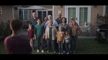 Buffalo Wild Wings $5 Select Pitchers TV Spot, 'Escape to Football: Family Photo' - Thumbnail 2