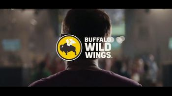 Buffalo Wild Wings $5 Select Pitchers TV Spot, 'Escape to Football: Family Photo' - Thumbnail 9