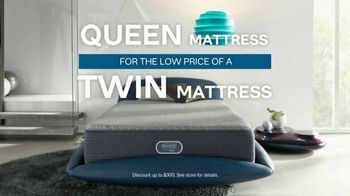 Ashley HomeStore TV Spot, 'Sleep Geeks: Perfect Mattress' Song by Midnight Riot - Thumbnail 6