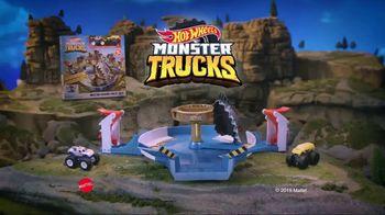 Hot Wheels Monster Trucks Mecha Shark Face-Off TV Spot, 'Avoid the Shark' - Thumbnail 8