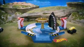 Hot Wheels Monster Trucks Mecha Shark Face-Off TV Spot, 'Avoid the Shark' - Thumbnail 2