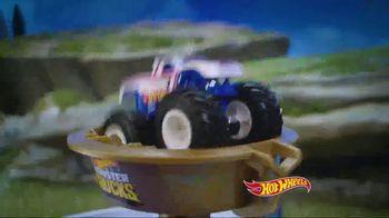 Hot Wheels Monster Trucks Mecha Shark Face-Off TV Spot, 'Avoid the Shark' - Thumbnail 4