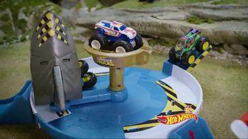 Hot Wheels Monster Trucks Mecha Shark Face-Off TV Spot, 'Avoid the Shark' - Thumbnail 5