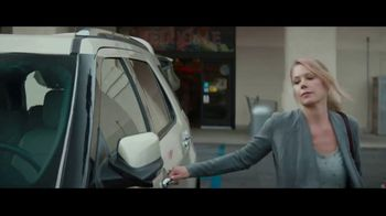 M&M's Super Bowl 2019 Teaser, 'Lock Game' Featuring Christina Applegate - Thumbnail 3