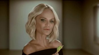 Avocados From Mexico Super Bowl 2019 Teaser TV Spot, 'Poker' Featuring Kristin Chenoweth - Thumbnail 5