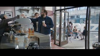 Verizon TV Spot, 'Chosen By Experts: $300 Off ' Featuring Thomas Middleditch - Thumbnail 3