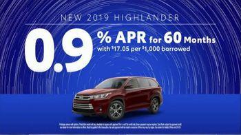 2019 Toyota Highlander TV Spot, 'Weather Forecast: Safety' [T2] - Thumbnail 9