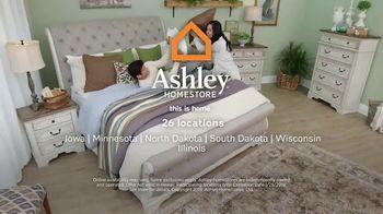 Ashley HomeStore Super Sleep Sale TV Spot, 'Anniversary Edition Queen Mattresses' - Thumbnail 10