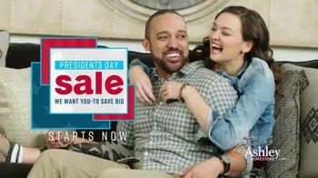 Ashley HomeStore Presidents Day Sale TV Spot, 'Nuevos estilos para cada habitación' [Spanish] - Thumbnail 3