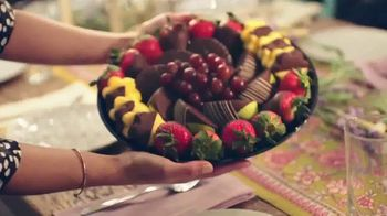 Edible Arrangements TV Spot, 'Valentine Anthem' - Thumbnail 2
