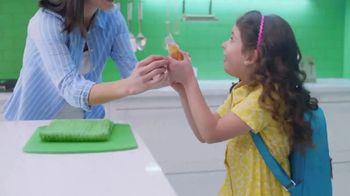 Ziploc TV Spot, 'More Than A Bag: A Snack On The Fly' - Thumbnail 6