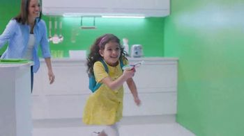 Ziploc TV Spot, 'More Than A Bag: A Snack On The Fly' - Thumbnail 7