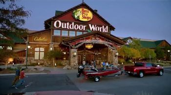 Bass Pro Shops Spring Fever Sale TV Spot, 'Rubber Boots and Decoy Combo' - Thumbnail 2