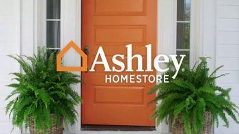 Ashley HomeStore Presidents Day Mattress Sale TV Spot, 'Colchón y base ajustable' [Spanish] - Thumbnail 1