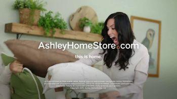 Ashley HomeStore Presidents Day Mattress Sale TV Spot, 'Colchón y base ajustable' [Spanish] - Thumbnail 8