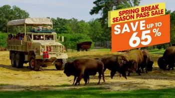 Six Flags Spring Break Sale TV Spot, 'Save 65 Percent' - Thumbnail 6