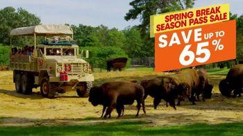 Six Flags Spring Break Sale TV Spot, 'Save 65%' - Thumbnail 6
