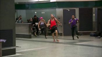 Travelocity TV Spot, 'The Amazing Race: Every Step of the Way' - Thumbnail 4