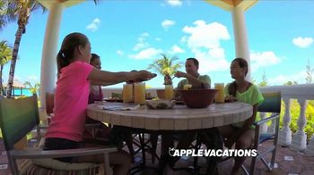 Apple Vacations TV Spot, 'Summer Fun: Kids Free' - Thumbnail 4