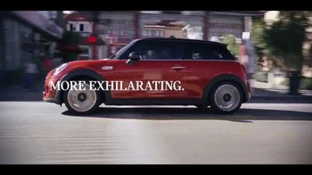 MINI Hardtop 2 Door TV Spot, 'More Accelerating' Song by Jamie N Commons [T2]