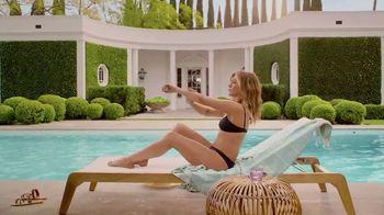 Aveeno Positively Mineral Sunscreen TV Spot, 'Hello Sunshine' Featuring Jennifer Aniston - Thumbnail 4