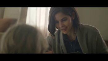 Amazon TV Spot, 'Mamás mágicas' canción de Freddie Scott [Spanish] - Thumbnail 7