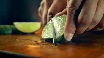 Modelo Chelada Limón y Sal TV Spot, 'Tradiciones' canción de Ennio Morricone [Spanish]