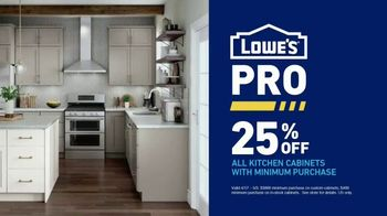 Lowe's ProServices TV Spot, 'You're a Pro: Kitchen Cabinets' - Thumbnail 8