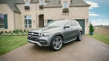 2020 Mercedes-Benz GLE TV Spot, 'HGTV: Smart Is in Our DNA' [T1] - Thumbnail 2