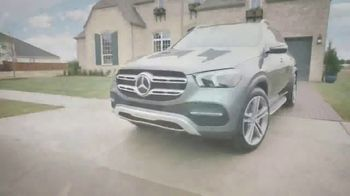 2020 Mercedes-Benz GLE TV Spot, 'HGTV: Smart Is in Our DNA' [T1] - Thumbnail 4
