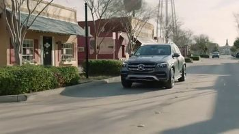 2020 Mercedes-Benz GLE TV Spot, 'HGTV: Smart Is in Our DNA' [T1] - Thumbnail 5