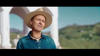Travelocity TV Spot, 'A Little Wisdom: Slowing Things Down' Featuring Phil Keoghan - Thumbnail 4